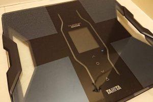 タニタの筋質点数測れる体重計